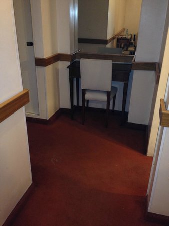 Sarmiento Palace Hotel: alfombra apestosa