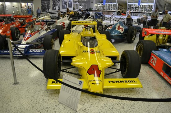 Indianapolis Motor Speedway Museum : Race Cars Up Close