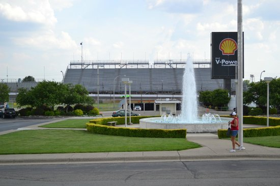 Indianapolis Motor Speedway Museum : A Leisure Sunny Afternoon at the Speedway
