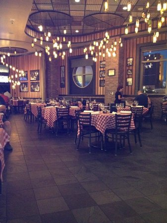 Grimaldi's Pizzeria - Green Valley : beautiful and great pizza