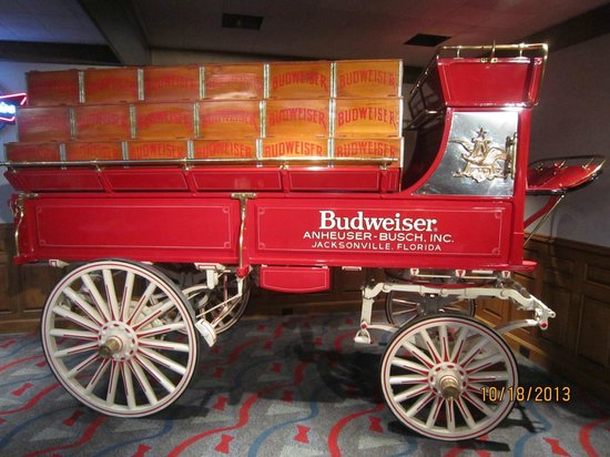 Budweiser Brewery Tours: Various indoor items