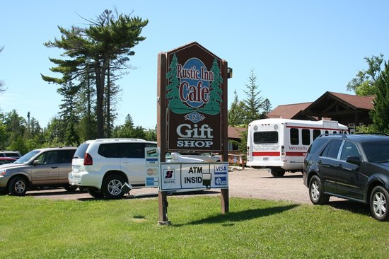 The Rustic Inn Cafe: The ONLY place for pie on the North Shore!