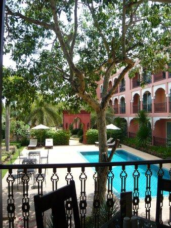 Sheik Istana Hotel: レストランからの眺め