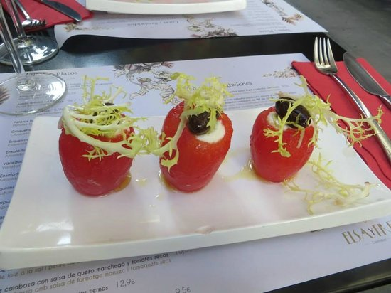 Elsa y Fred: Starter - roma tomatoes peeled and stuffed with cod