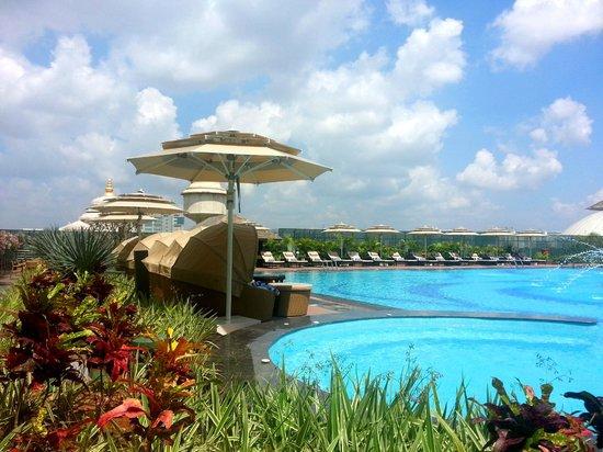 Bengaluru Marriott Hotel Whitefield: Swimming Pool -1