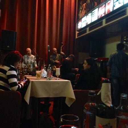 Malkhas Jazz Club. : Малхаз джаз клуб