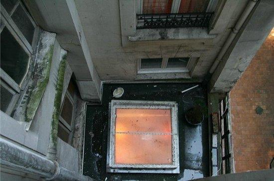 Hotel de Sully: Вид из нашего окна :)