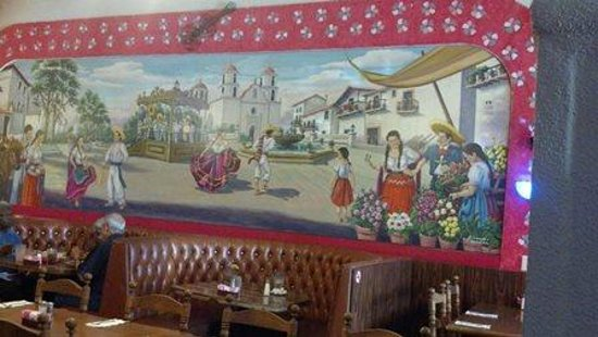 Mexico Lindo Restaurant: The mural