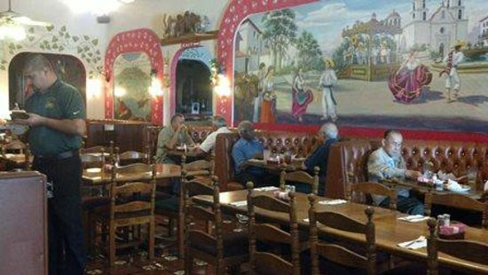 Mexico Lindo Restaurant: Inside view