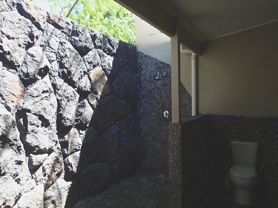 Le Manumea Hotel: Shower under the stars
