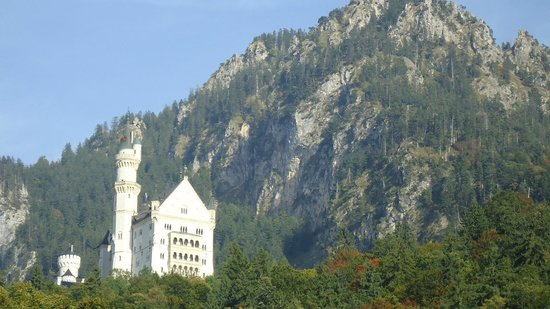 Historical Walks: Castle and the mountain