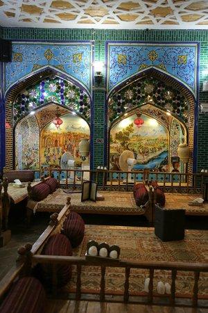Sofreh Khaneh Sonnati: great ambience