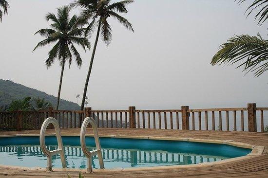 Ozran Heights Beach Resort: Pool close up
