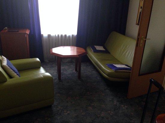 Olimpia Hotel: Anticamera 206
