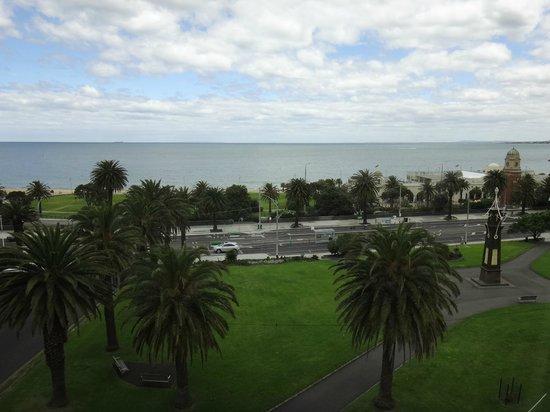 Novotel Melbourne St Kilda: St Kilda beach is just opposite!