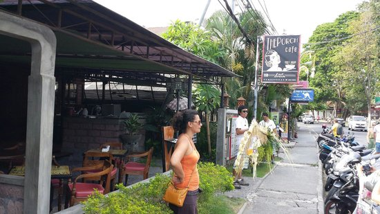The Porch Cafe : Outside the wonderful restaurant