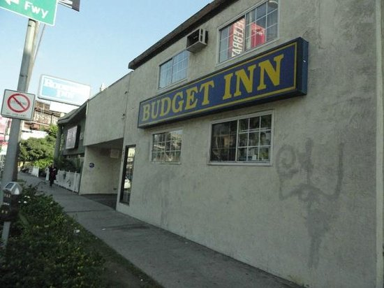 Budget Inn Hollywood: fachada cochina y de aspecto viejo