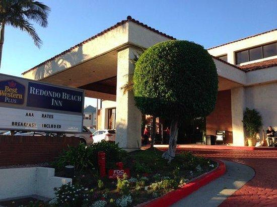 Best Western Plus Redondo Beach Inn: ホテル外観
