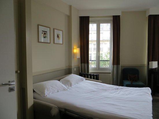 Emeraude Hotel Plaza Etoile : schöne saubere Zimmer