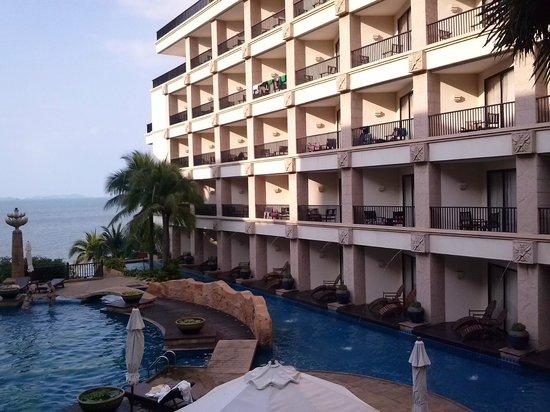Garden Cliff Resort and Spa: Один из корпусов отеля.