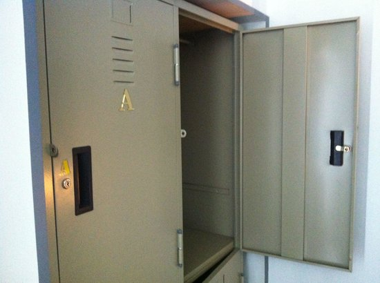 Balcony Hostel: Locker