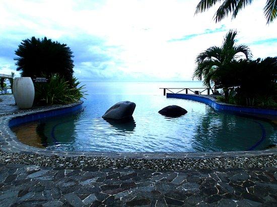 Le Lagoto Resort & Spa: The infinity pool