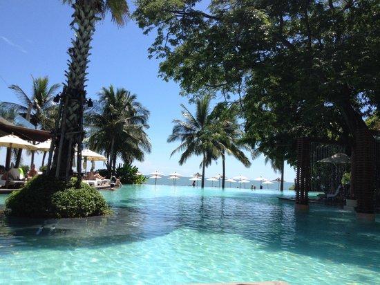 Veranda Resort and Spa Hua Hin Cha Am - MGallery Collection : 泳池與沙灘