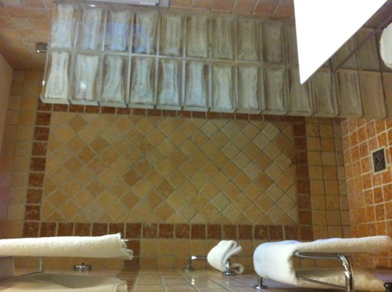 La Bastide du Calalou : La salle de bain