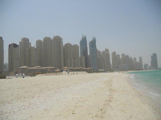 Le Royal Meridien Beach Resort & Spa: hotel beach