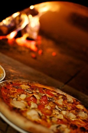 The Priory Inn: Wood oven pizzas from 30 mile zone