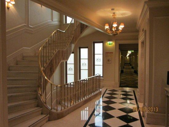 Hotel Grande Bretagne, A Luxury Collection Hotel: Zona Ascensores