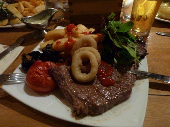 The Barge Inn: Steak& chips