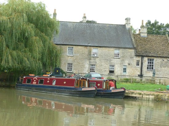 The Barge Inn: .