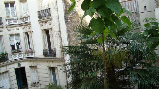 Villa Alessandra: Вид во внутренний двор отеля