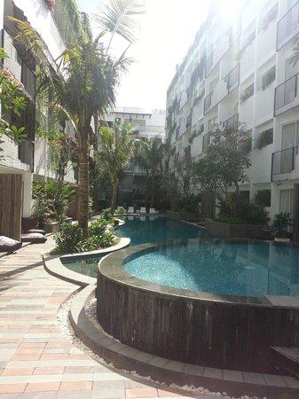 The Akmani Legian: Pool Area