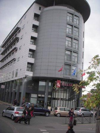 Alliance Hotel Tours Centre: ホテル外観