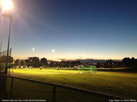 Oslo Hostel Haraldsheim: Football field near Oslo Youth Hostel Haraldsheim