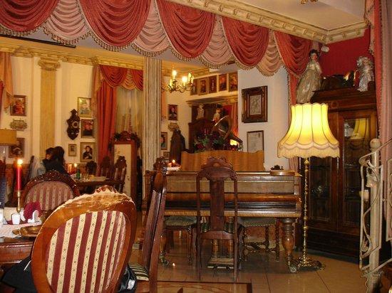 U Babci Maliny: Downstairs dinning room