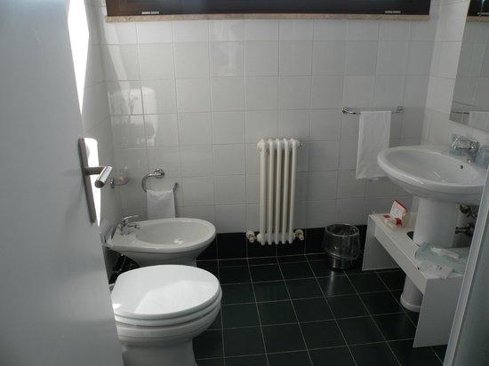 UNAWAY Hotel Fabro: bagno