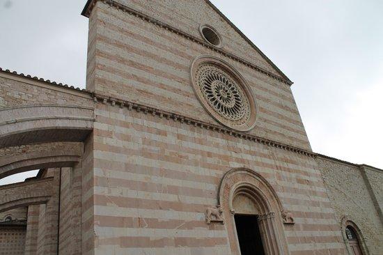 Basilica di Santa Chiara: Esterno