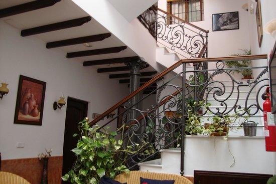 Casa Rural El Olivo: escalera