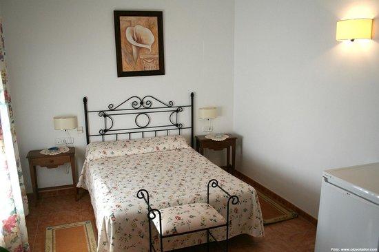 Casa Rural El Olivo: Habitacion doble cama de matrimonio