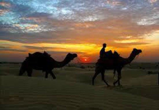 Kanoi, Indien: sand dunes