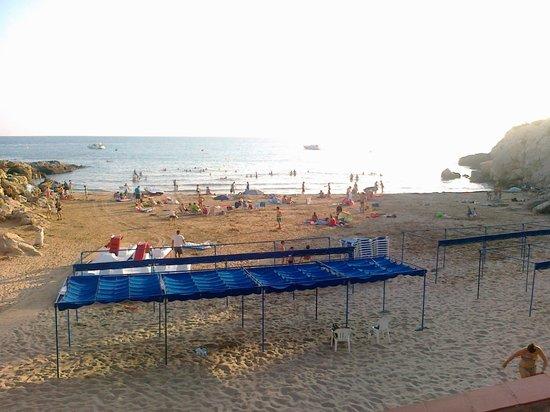H10 Mediterranean Village: Пляж ( слева от отельного пляжа 300 м, если смотреть на море)