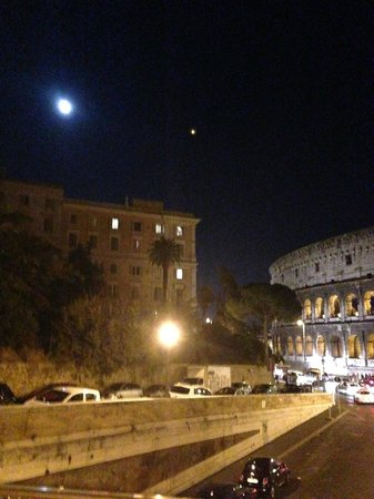 Your Tour in Italy by Aldo Monti: Night tour of Roma w/ Emiliano