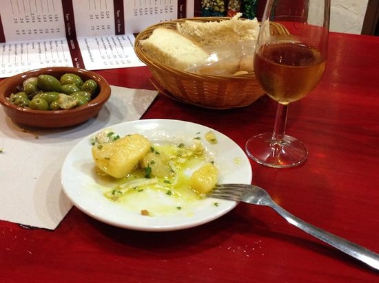 Bar Las Banderillas: Potatoes alinadas