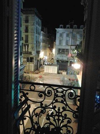 Hotel Saint Louis : ock 2013 вид из окна