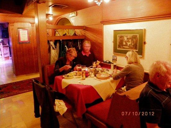 Hotel Neue Post: salle restaurant