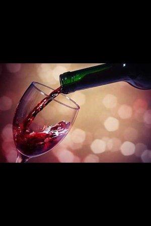 Le Petit Brunch : Notre bar a vins