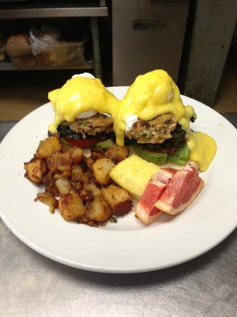 Lisbon, estado de Nueva York: Crab Cakes Benedicts...a brunch favorite